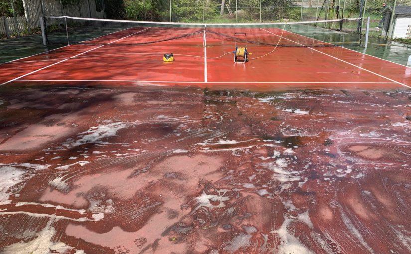 Tennisbanan är inte bara ren –nu går den att boka också